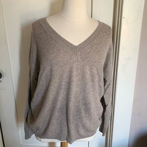 100% Cashmere GAP V-neck Sweater